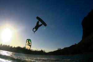 Kitesurfen Sardinien: Kitesurfen Kurs für Fortgeschrittene