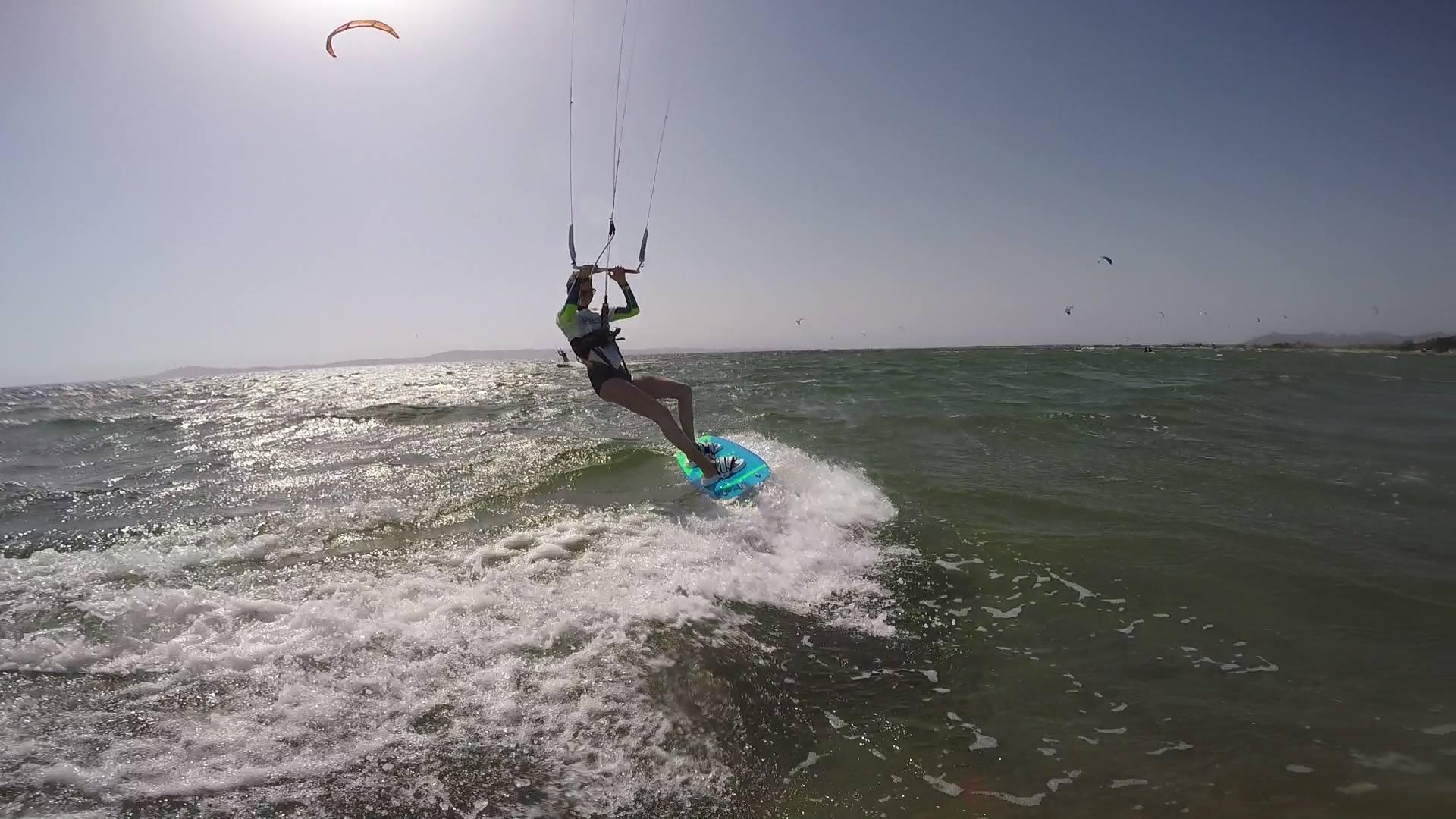Kitesurfen Porto Botte, Sardinien: Kiten Lernen in Porto Botte auf Sardinien