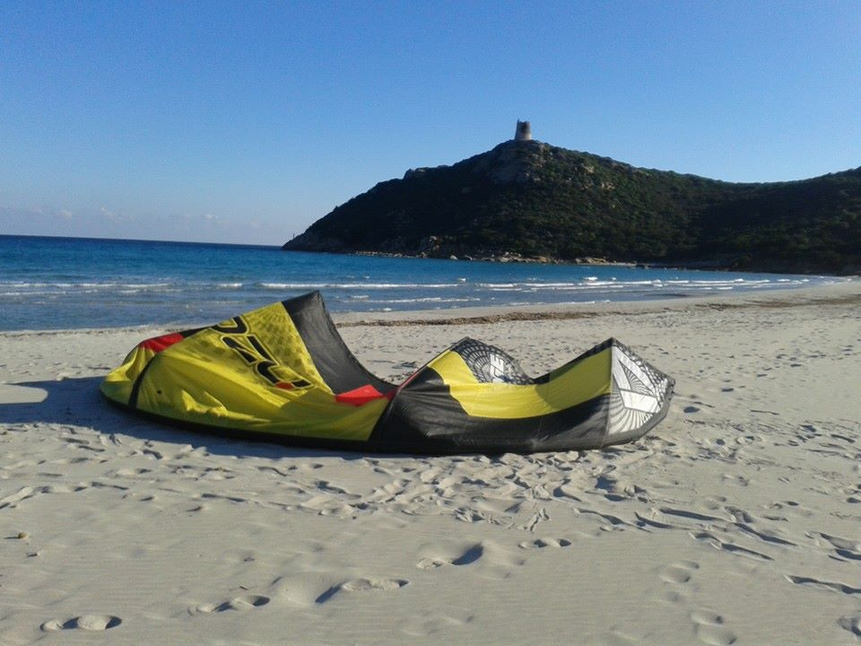 Kitesurfing in Villasimius, Sardinia: Learn to Kitesurf and Enjoy Kitesurfing in Villasimius Sardinia